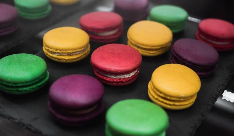 french macaroon in pink green yellow purple colors